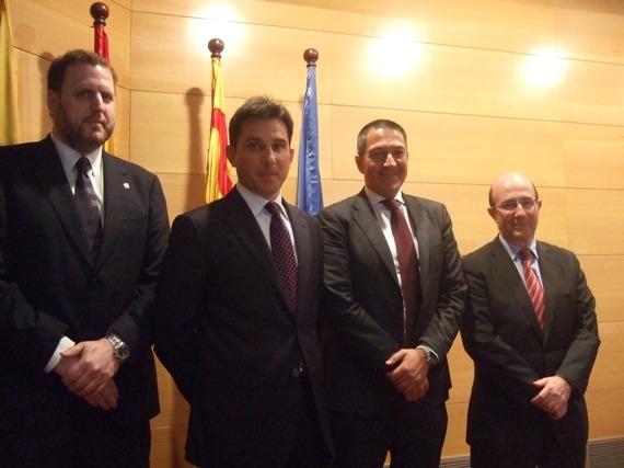 Juan Antonio García Cazorla, nou vicepresident CICAC; Manel Albiac, degà Col·legi Advocats Tarragona; Miquel Sàmper, nou president CICAC i Pedro L.Yúfera, president sortint CICAC.