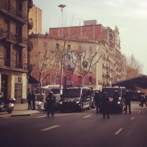 Desallotjament de La Carboneria. Autor: Aleix Aguilera (@aleixaguilera).