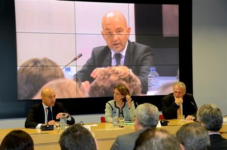 D'esquerra a dreta: Jaime García-Legaz, secretari d'estat de Comerç; Rebeca Grynspan, secretària general iberoamericana; i José Manuel García Collantes, president del Consell General del Notariat, durant la inauguració.