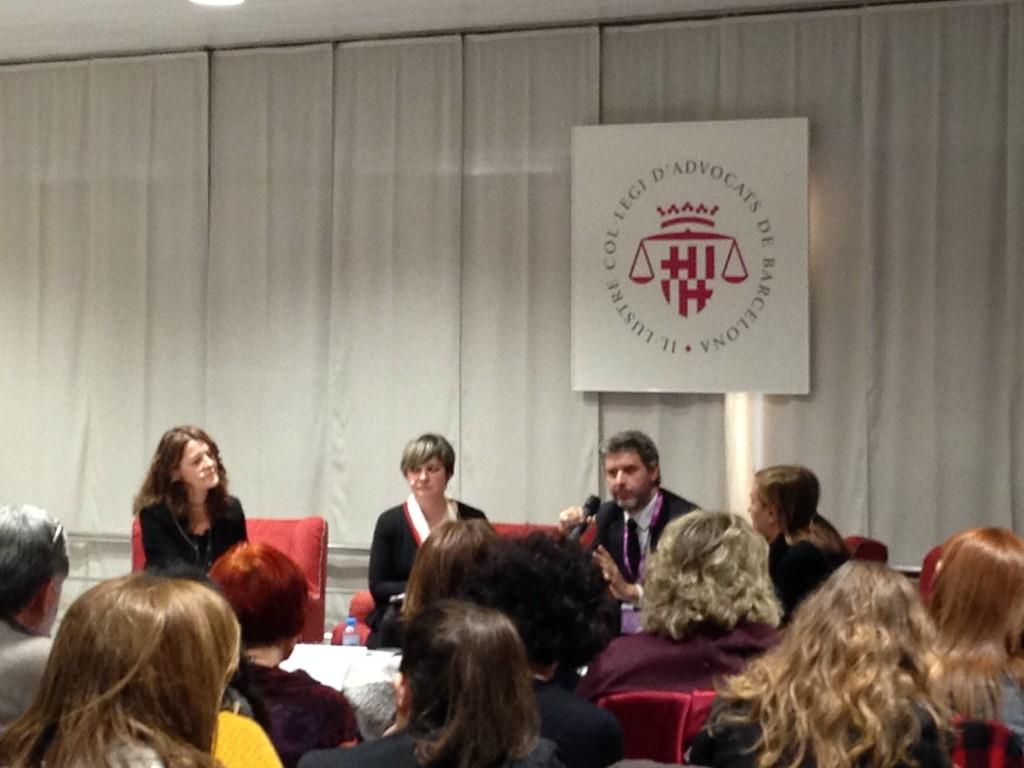 Primera mesa. D'esquerra a dreta: Maria Antonia Coscollola, Ester García, Andreu Van den Eynde i María Isabel Morán | El Jurista
