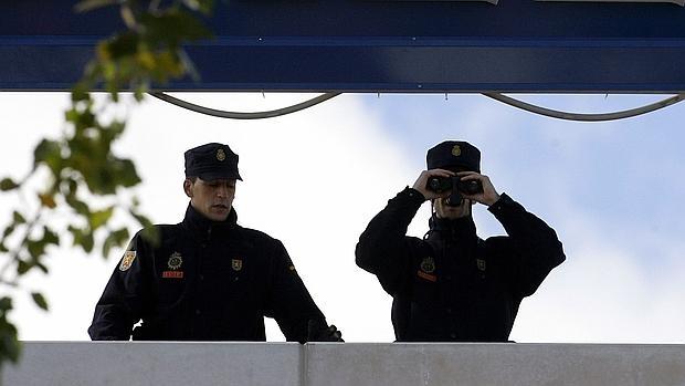 policia-nacional-prismaticos-620x349