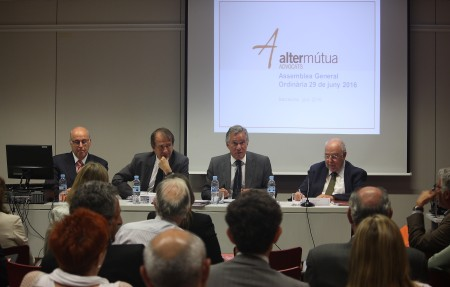 El President d'Alter Mútua, José-Félix Alonso-Cuevillas, adreçant-se a l'Assemblea General el passat 29 de juny.